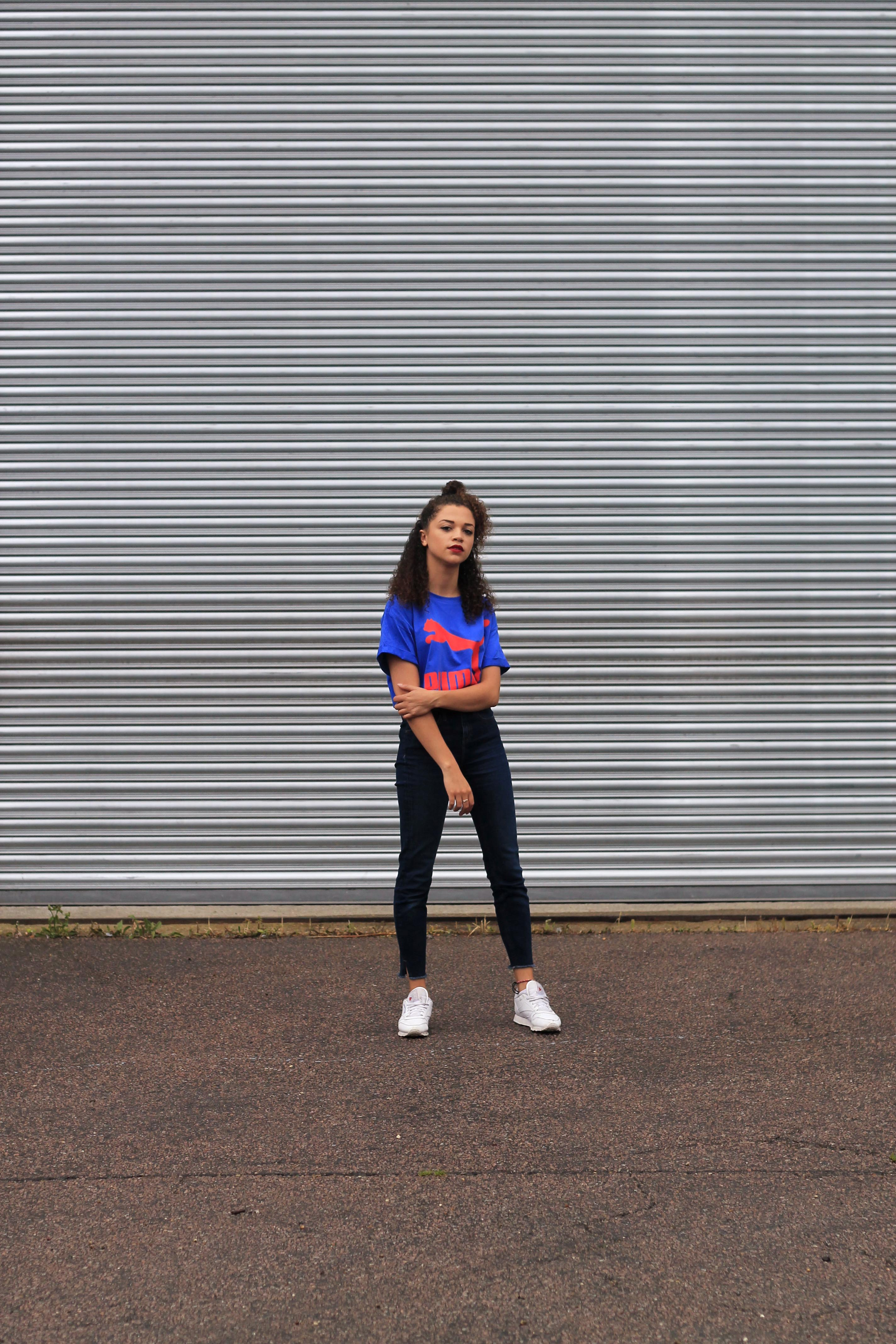 uk curly hair blogger - retro puma tshirt 4