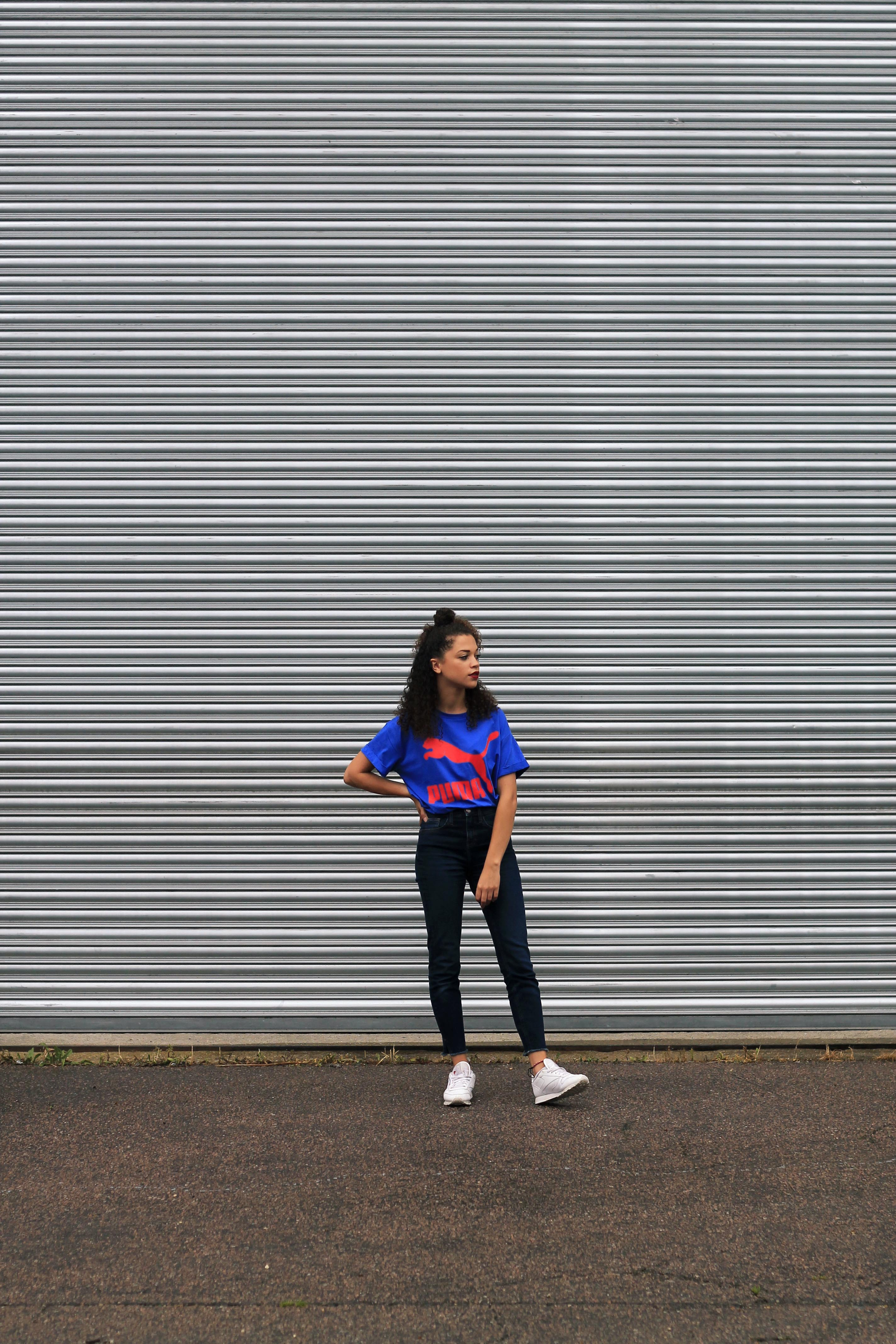 uk curly hair blogger - retro puma tshirt