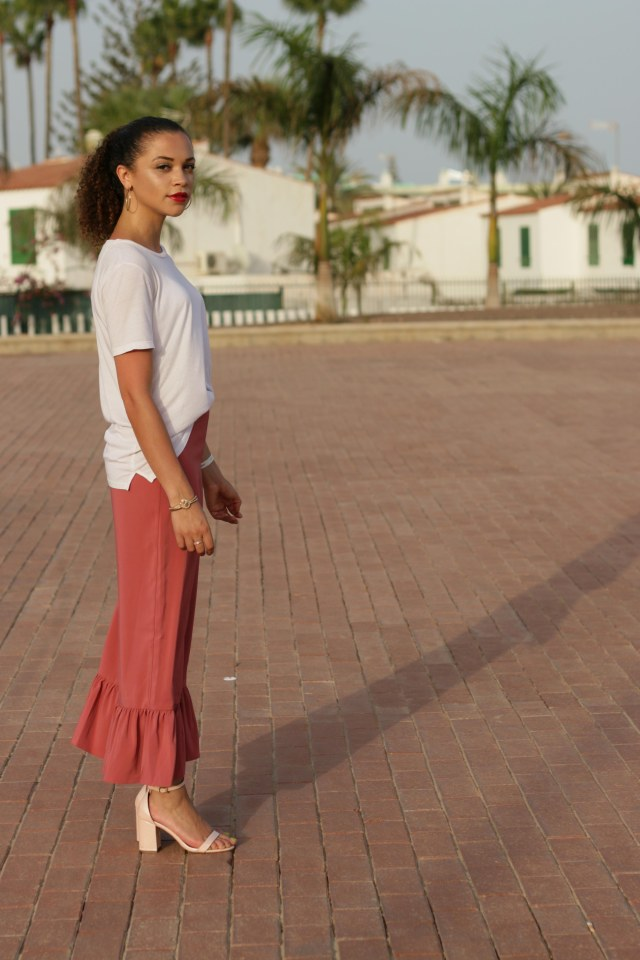 what to pack for a late summer holiday - uk style blogger - charnelle geraldine -6
