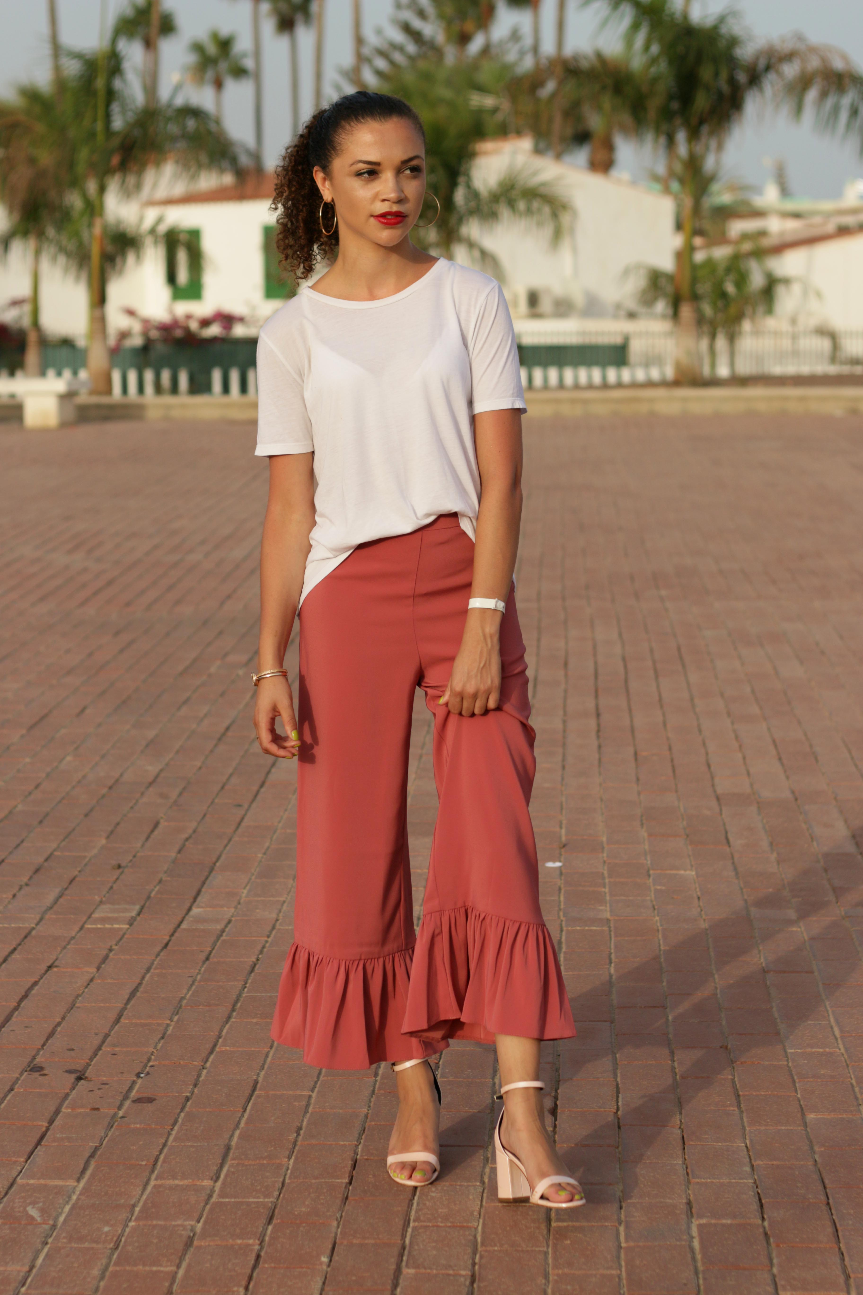 what to pack for a late summer holiday - uk style blogger - charnelle geraldine -7