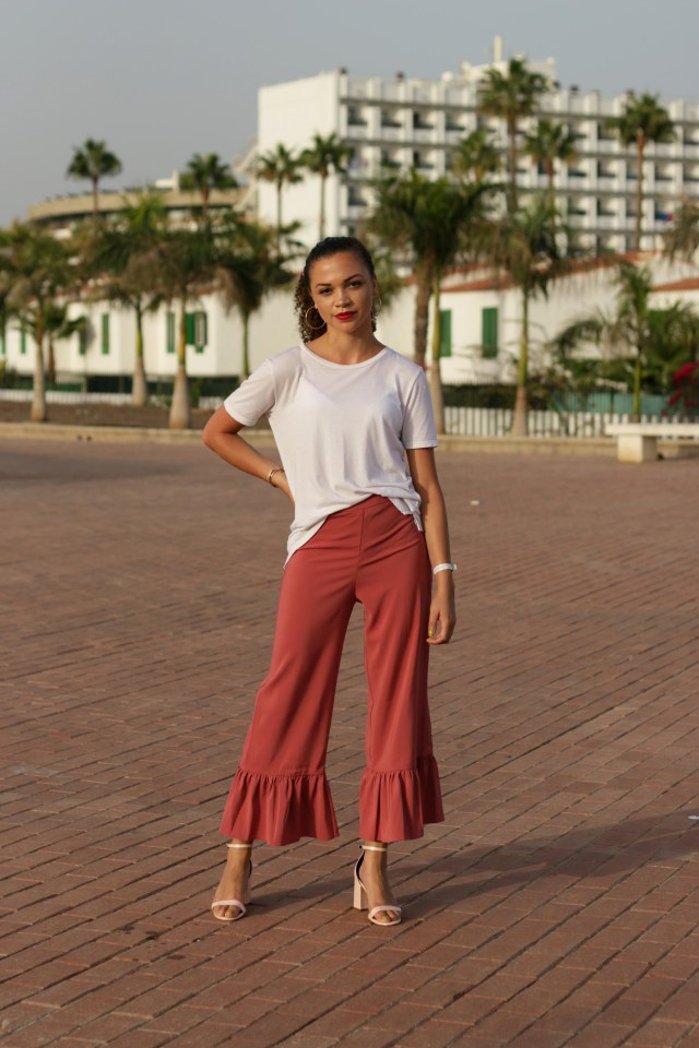 what to pack for a late summer holiday - uk style blogger - charnelle geraldine